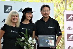 Diễn viên gốc Việt Maggie Q đặt tên cho gấu ở Tam Đảo