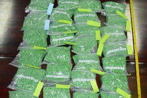 Khen thưởng Ban chuyên án bắt giữ 30.000 viên ma túy