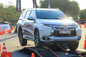 Mitsubishi Pajero Sport giảm gần trăm triệu, rẻ hơn Toyota Fortuner