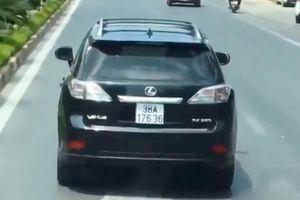 Tước bằng lái 2 tháng tài xế Lexus cản đường xe cứu hỏa