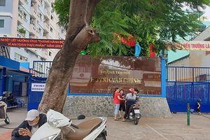 Phạt học sinh, một giáo viên trường tiểu học Huỳnh Văn Chính xin lỗi phụ huynh
