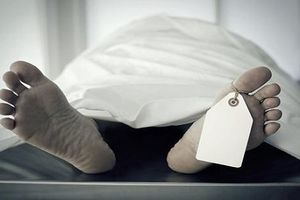 Phát hiện người đàn ông tử vong bất thường dưới cống