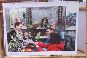 Triển lãm ảnh 'Hoài niệm' – nơi lưu giữ nét đẹp Hà Nội xưa