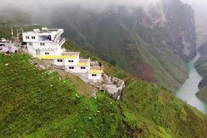 Công trình 7 tầng sừng sững trên đỉnh Mã Pì Lèng: Bộ Văn hóa chưa nhận được bất kỳ văn bản nào của Hà Giang