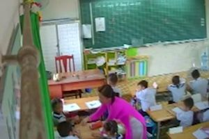 Đề nghị đuổi khỏi ngành giáo viên liên tục đánh mắng học sinh ở TP.HCM