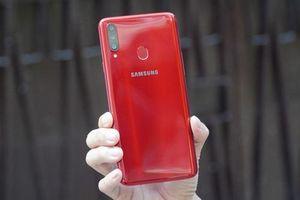 Trên tay Samsung Galaxy A20s: 3 camera sau, pin 4.000 mAh, giá gần 4 triệu