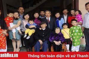 'Bí mật' hạnh phúc của gia đình 'tứ đại đồng đường'