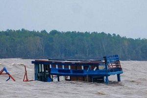 Khẩn trương khắc phục tình trạng bồi lắng cửa biển Khánh Hội