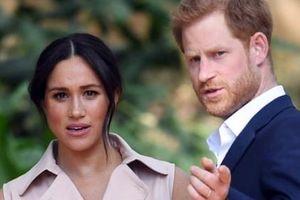 Hoàng tử Anh kiện tờ Sun và Mirrors hack điện thoại vợ