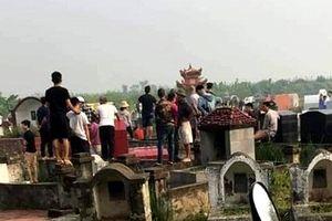 Ghen tuông, người đàn ông giết bạn gái tại nghĩa trang rồi tự tử bất thành