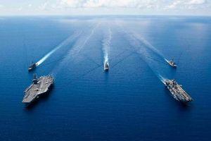 Tàu chiến Mỹ diễn tập bắn đạn thật tại Biển Đông