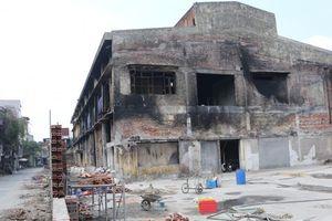 Toàn cảnh hiện trường vụ cháy công ty Rạng Đông sau khi được tẩy độc