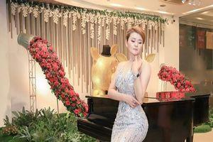 Nữ Hoàng Thảo Nhung nổi bật tại ghế Ban giám khảo Hoa hậu Đại sứ Toàn cầu 2019