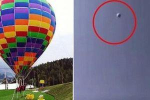 Khinh khí cầu phát nổ khiến hai mẹ con mất mạng