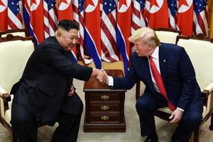 Phi hạt nhân hóa: Từ thâm tình Kim-Trump đến lời đề nghị 'vàng