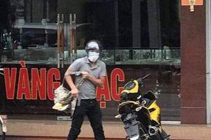 Nam thanh niên táo tợn nổ súng cướp tiệm vàng ở Quảng Ninh