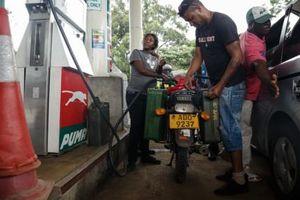 Zimbabwe tăng mạnh giá bán lẻ xăng dầu