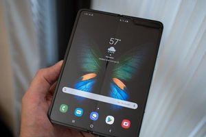 'Hết hồn' trước chi phí thay màn hình Galaxy Fold