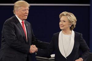 Bà Clinton nhắn ông Trump: 'Đừng thách tôi'