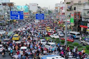 Giao thông khu vực Hàng Xanh: Đường nào cũng tê liệt