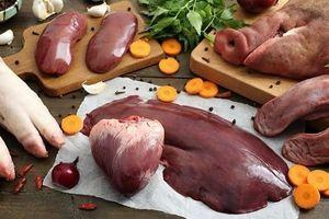 Bác sĩ dinh dưỡng khuyến cáo gì khi cho trẻ ăn nội tạng động vật?