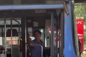 Tài xế nhổ nước bọt, thách thức người khác bị cấm hành nghề xe buýt ở TP HCM