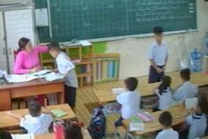 Đình chỉ giảng dạy 30 ngày đối với giáo viên đánh, véo tai học sinh ở quận Tân Phú