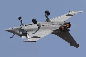 Ấn Độ nhận máy bay chiến đấu Rafale đầu tiên từ Pháp