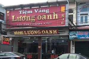 Vụ đối tượng bịt mặt cướp tiệm vàng ở Quảng Ninh: Nhân chứng kể lại giây phút giằng co với tên cướp