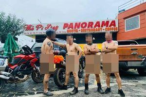 4 người đàn ông khỏa thân chạy xe máy, chụp hình ở Mã Pì Lèng gây phẫn nộ