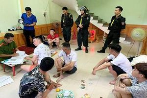 Hơn 200 Cảnh sát Quảng Bình ra quân truy quét tội phạm cho vay nặng lãi