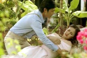 Nhan sắc vợ cũ Phan Thanh Bình gây sốt MXH khi đóng cảnh loạn luân với con riêng của chồng