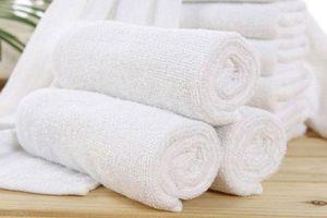 Thêm thứ này vào máy giặt, khăn tắm không bao giờ bị ố vàng mà luôn sạch thơm như mới