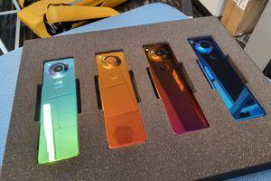 Điện thoại Essential phiên bản mới là thứ kỳ lạ nhất mà chúng ta từng thấy