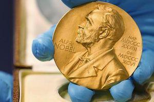 Giải Nobel Hóa học 2019 gọi tên 3 nhà khoa học