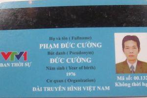 Hà Nội: Người đàn ông giả danh phóng viên thời sự VTV1 để xin lỗi vi phạm giao thông
