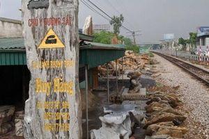 Nhức nhối lối đi tự mở qua đường sắt ở điểm 'nóng' Hà Nam