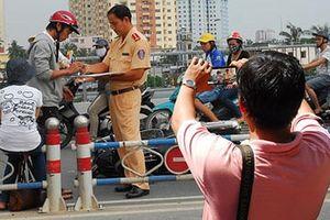 Bộ Công an đề xuất người dân được giám sát cảnh sát giao thông bằng ghi âm, ghi hình