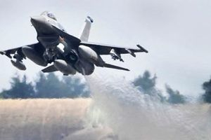 Tiêm kích F-16 Mỹ lao xuống đất ở Đức, chưa rõ tình trạng phi công