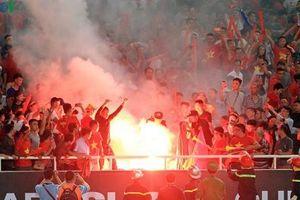 Indonesia khuyến cáo CĐV Việt Nam không mang pháo sáng vào sân