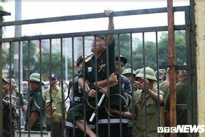 Tự xưng thương binh, quyết phá cổng VFF đòi vé xem Việt Nam vs Malaysia