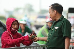 Thương binh mua được vé trận Malaysia vs Việt Nam, rồi lập tức bán lại cho phe vé kiếm lời