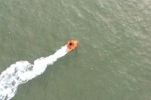 Thử nghiệm phao cứu hộ tự động trên biển ở Vũng Tàu