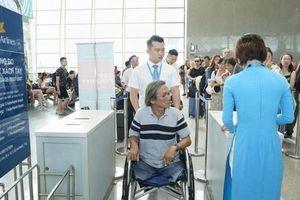 Người khuyết tật, phụ nữ có thai đi máy bay có thể đăng ký trực tuyến dịch vụ đặc biệt