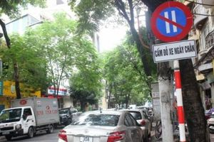 Hà Nội: Tràn lan vi phạm trên các tuyến phố thí điểm đỗ xe ngày chẵn, lẻ