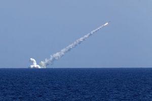 Tàu ngầm Nga thử sức mạnh tên lửa chống nhóm tàu sân bay mạnh nhất