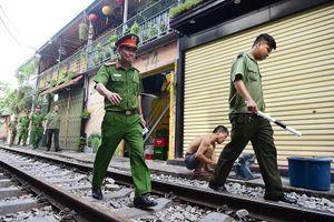 Cấm hoạt động phố cà phê đường tàu