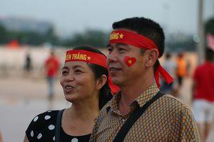 Bố mẹ Duy Mạnh: 'Tuyển Việt Nam thắng Malaysia 2-0'