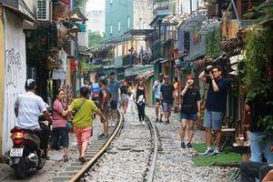 Phố cà phê đường tàu Phùng Hưng chính thức bị đóng cửa