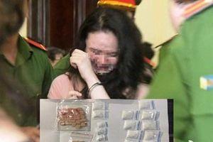 Hai đối tượng nữ bị bắt vì tàng trữ ma túy